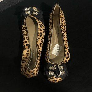 Adrienne Vittadini leopard flats brand new !